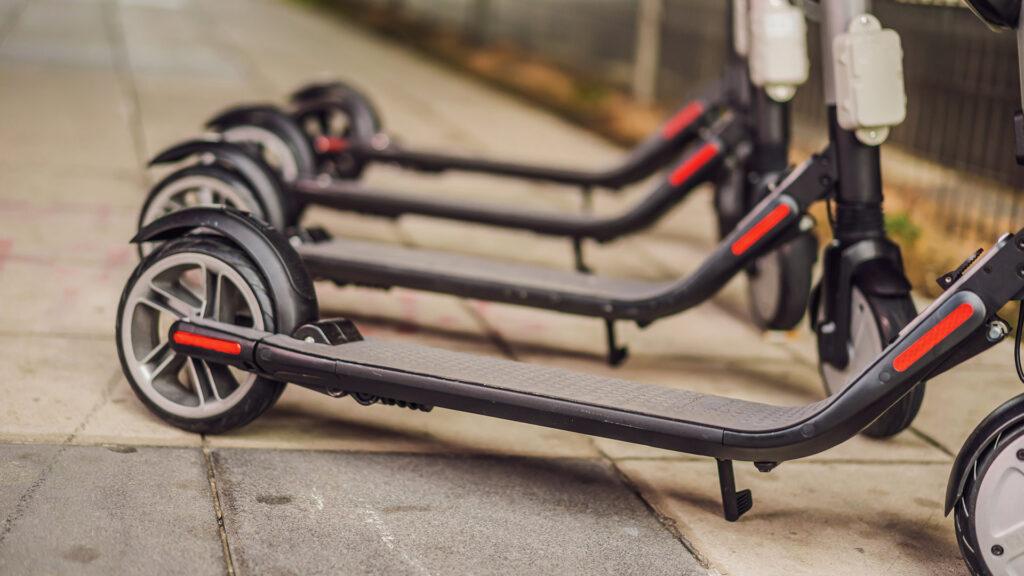 El colectivo Smart Mobility propone una revisión del sistema de patinetes compartidos en Madrid